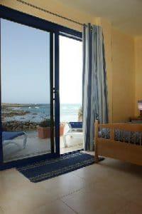Blick aus dem Schlafzimmer auf das Meer