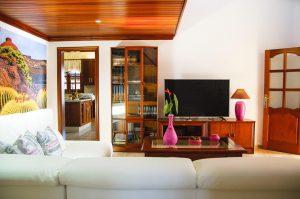 Wohnraum mit Smart TV