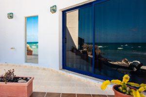 Blick auf das Ferienhaus am Meer