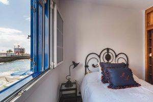 1. Schlafzimmer mit Meerblick