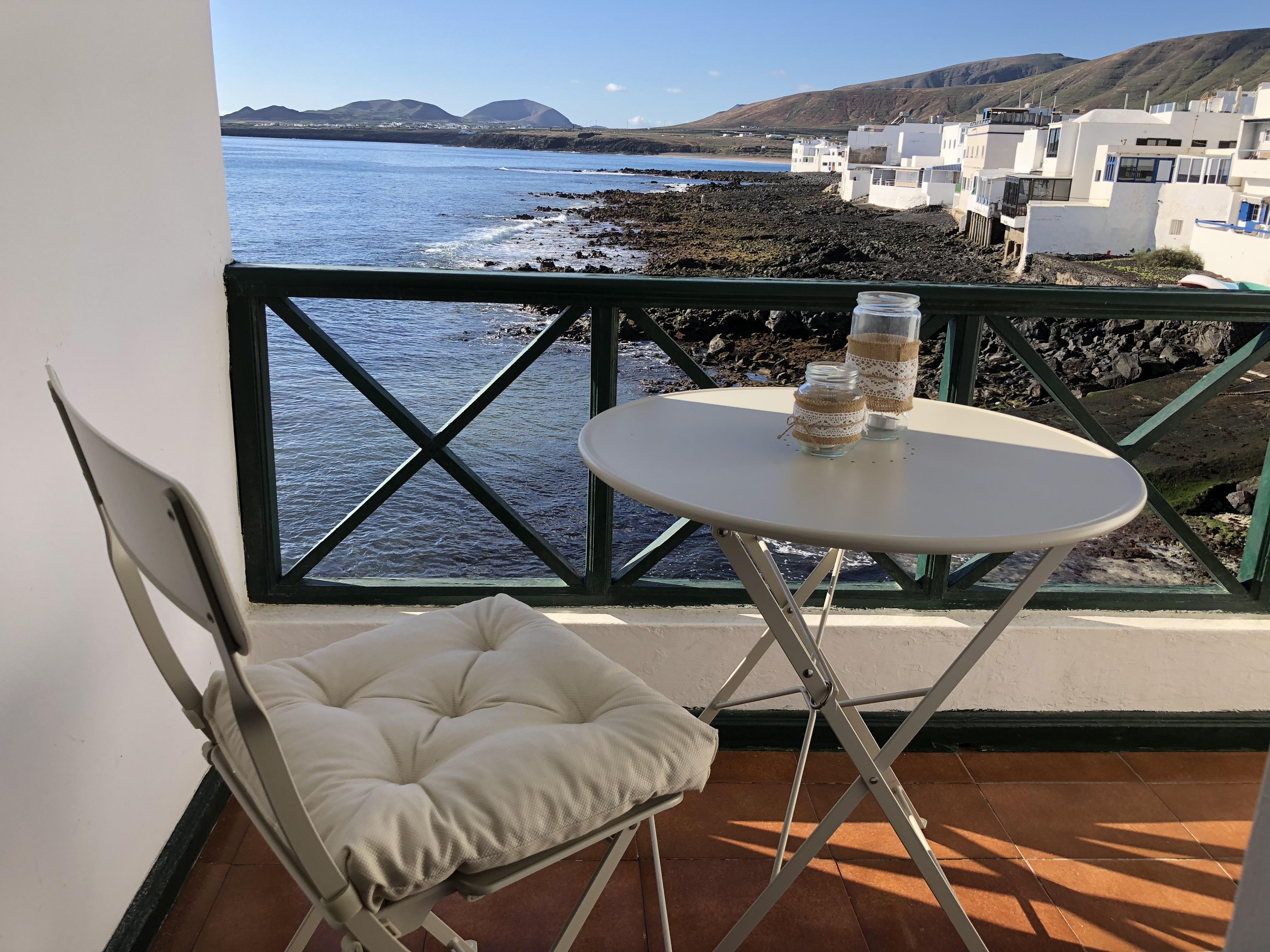 Kleiner Balkon Direkt Am Meer Ferienhauser Ferienwohnungen Auf