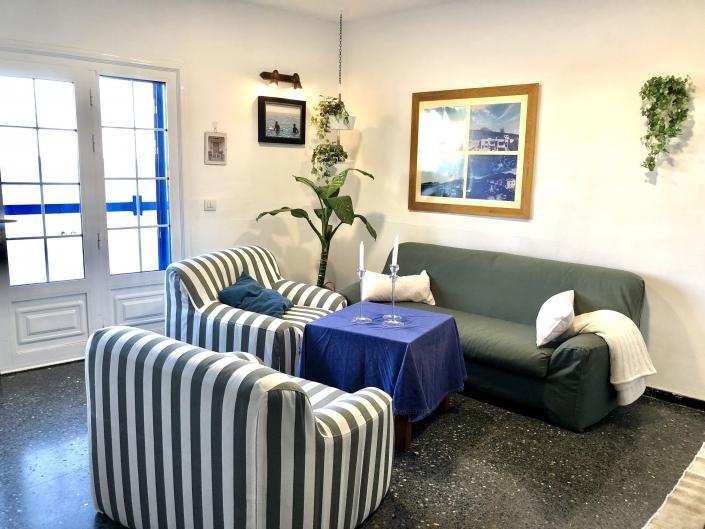 Wohnzimmer mit Sat Tv am Meer